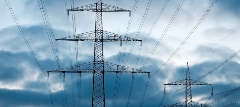 Ein Strommast ist essentiell für die Stromzufuhr